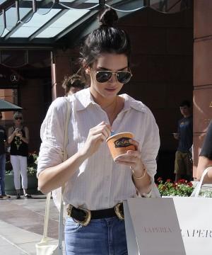 Kendall Jenner e sua dieta rica em proteínas e chás de ervas