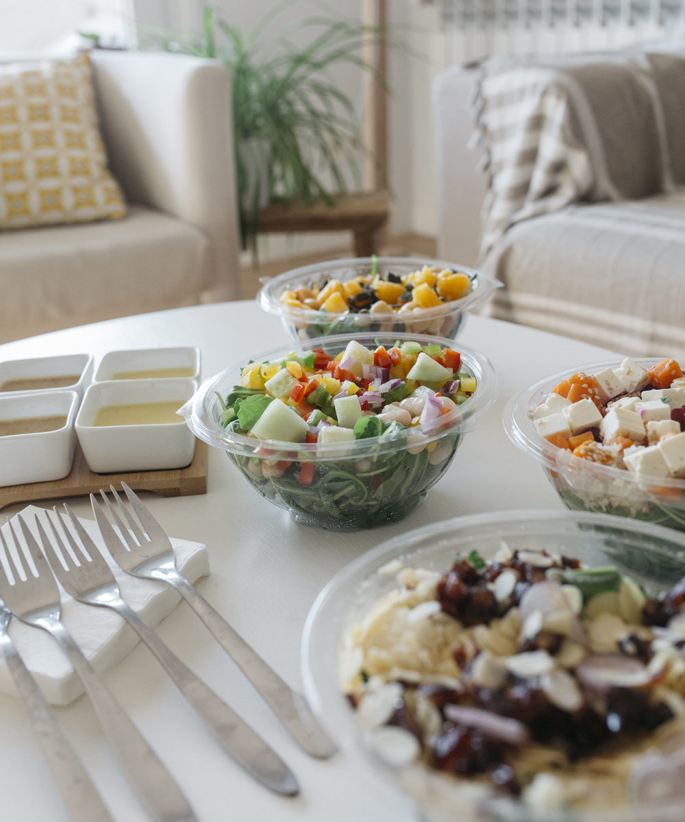 Saladas com mais de 30 toppings saudáveis Fit Food. Uma opção ideal para...